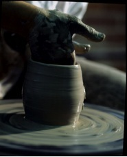 Potter_pottery_and_wheel